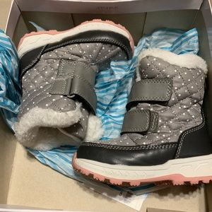 Carter's gray toddler girl winter boots